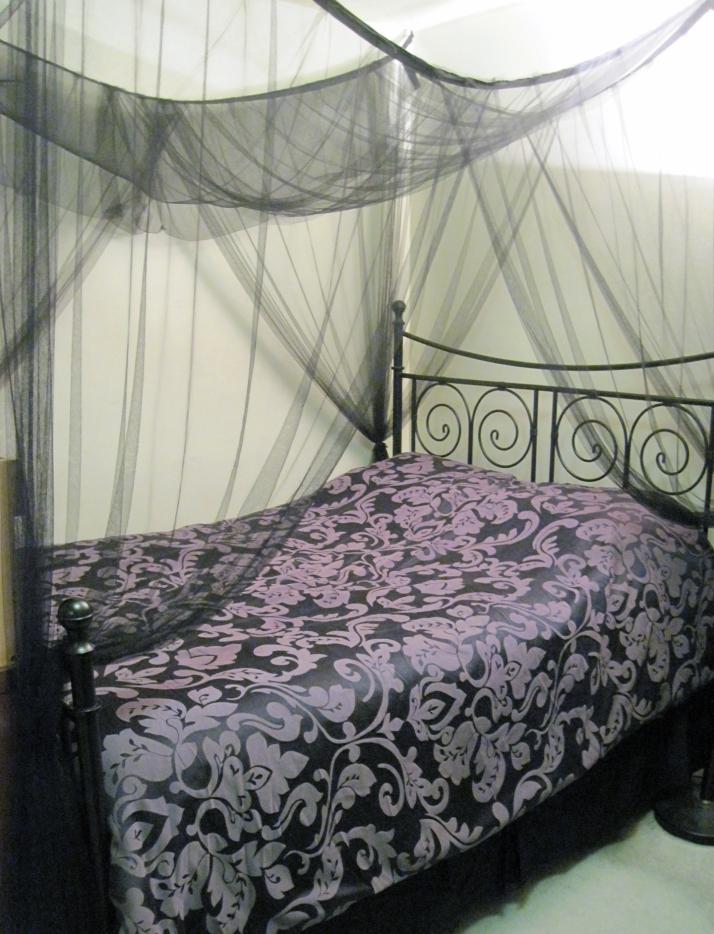 lolita blog carnival my lolita room raven snow. Black Bedroom Furniture Sets. Home Design Ideas